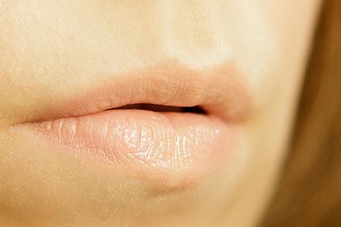 たった10分!ガサガサ唇をプルプルにするとっておきの方法