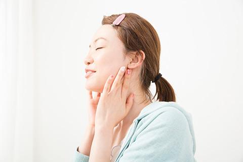 「小顔」に近づくための美容習慣、何が正解なの?