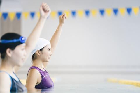 プールで腰痛対策!正しい水中運動とは