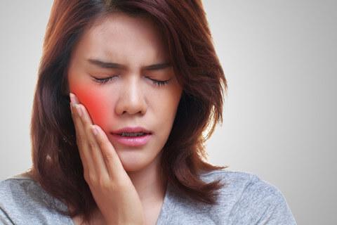 虫歯じゃないのに歯が痛い!その痛み、肩こりが原因かも
