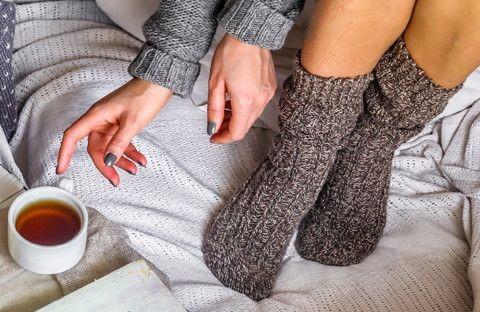 足が冷えて眠れない!足が冷たいあなたに贈る今冬の冷え対策3つ