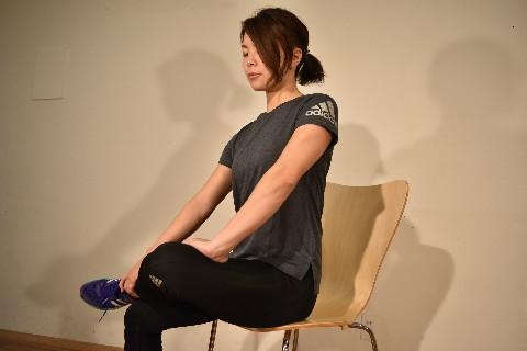 【動画つき】3分でわかる!オフィスでできる腰痛予防ストレッチ