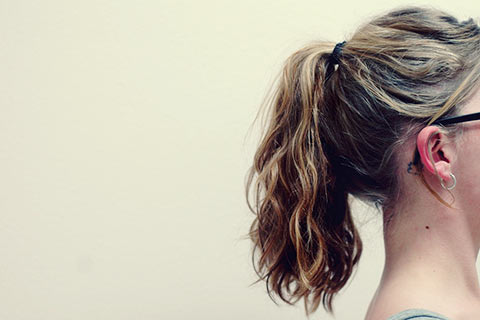 意識していますか?頭皮や耳の日焼けは薄毛の原因になる可能性も