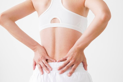 その腰痛の正体は?痛む場所や動作から読み解く腰痛タイプ