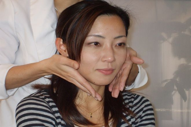 小顔骨格矯正アゴラ博多本店の画像1