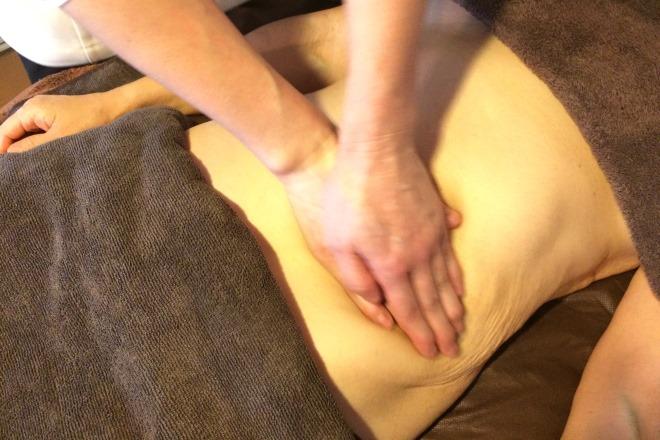 腹部周りのトリートメントで腸の動きも活発に!