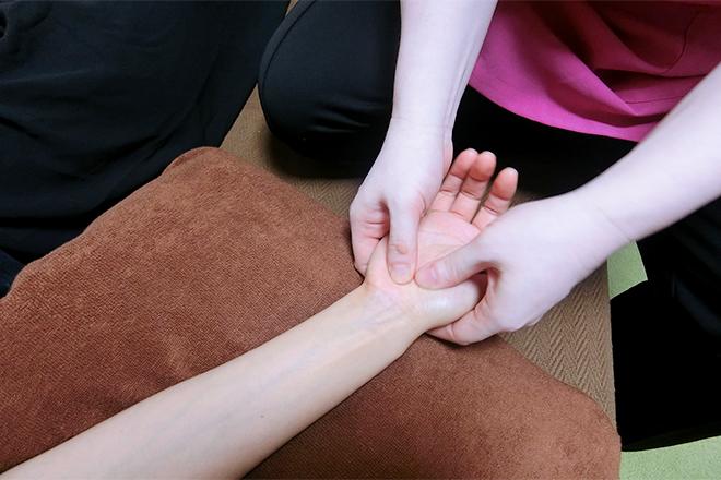 ひまわりの陽 足だけでなく、手も刺激していきます。