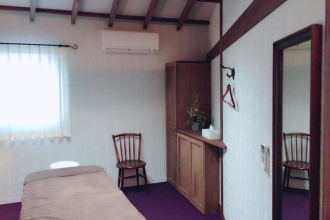 ロッカー完備の個室は6部屋