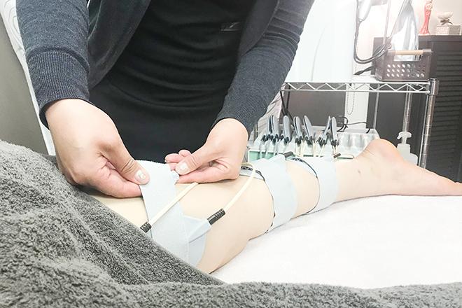 EMSを使用して筋肉にも働きかけます