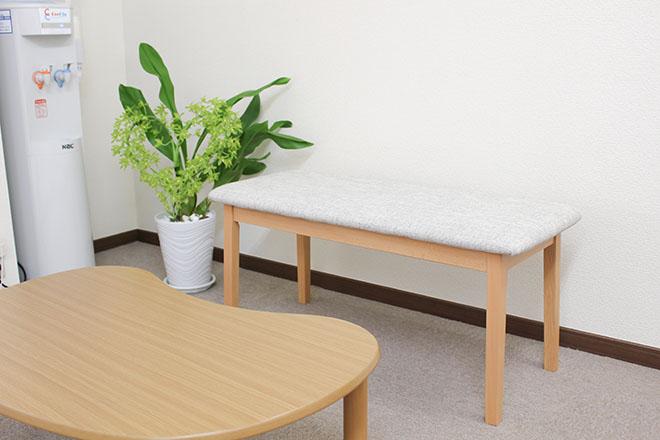 清潔感のある待合スペース
