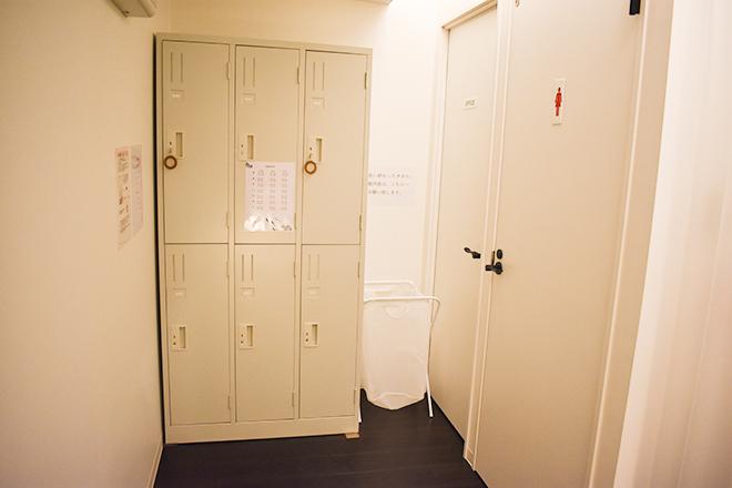 ロッカールームのある着替えスペース