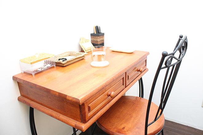 とっても可愛い待合スペースの机と椅子