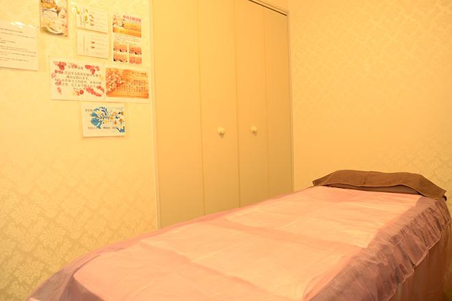 施術に応じてベッドを使い分けています