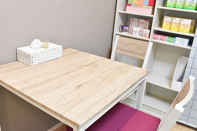 白を基調とした清潔感のある空間
