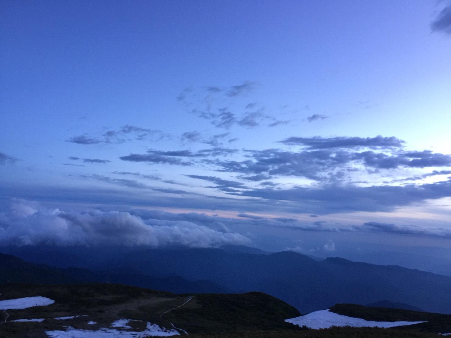 白山頂上付近〜6月