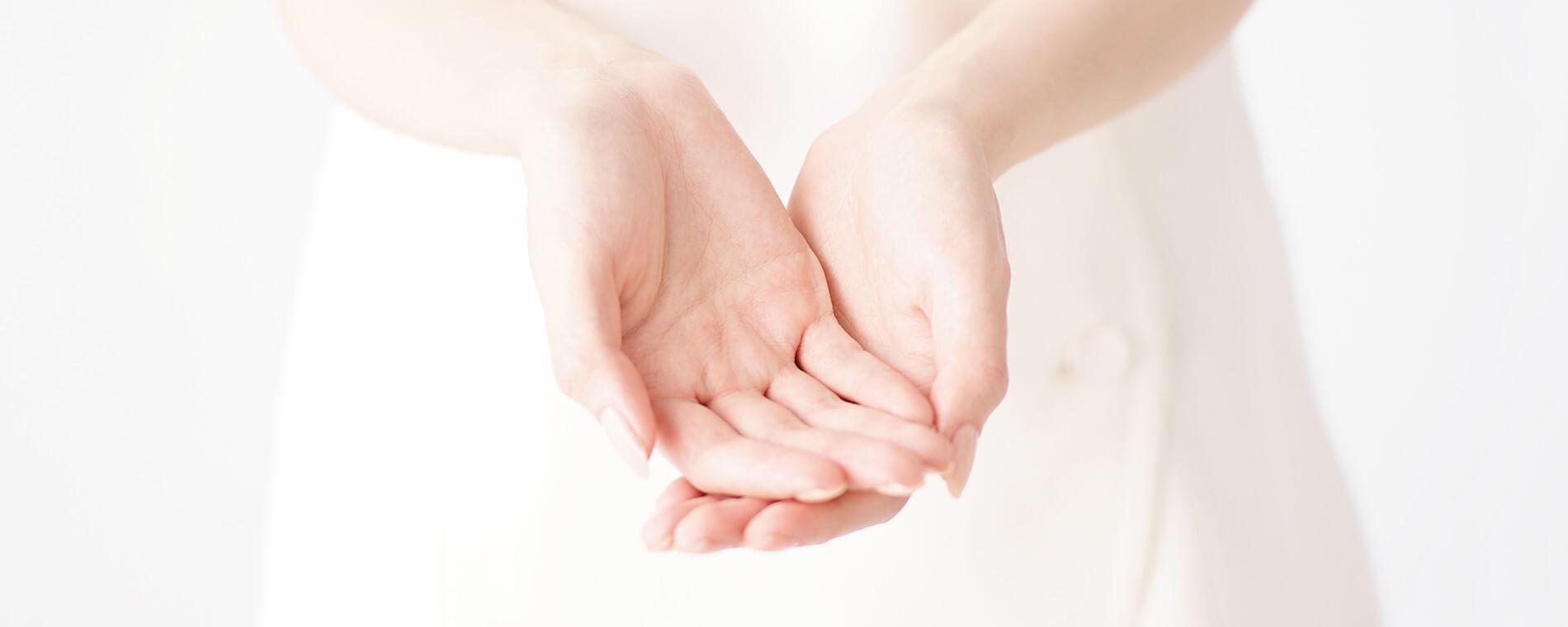 お客様の肌に直接触れながら、なりたい肌へ導きます♪