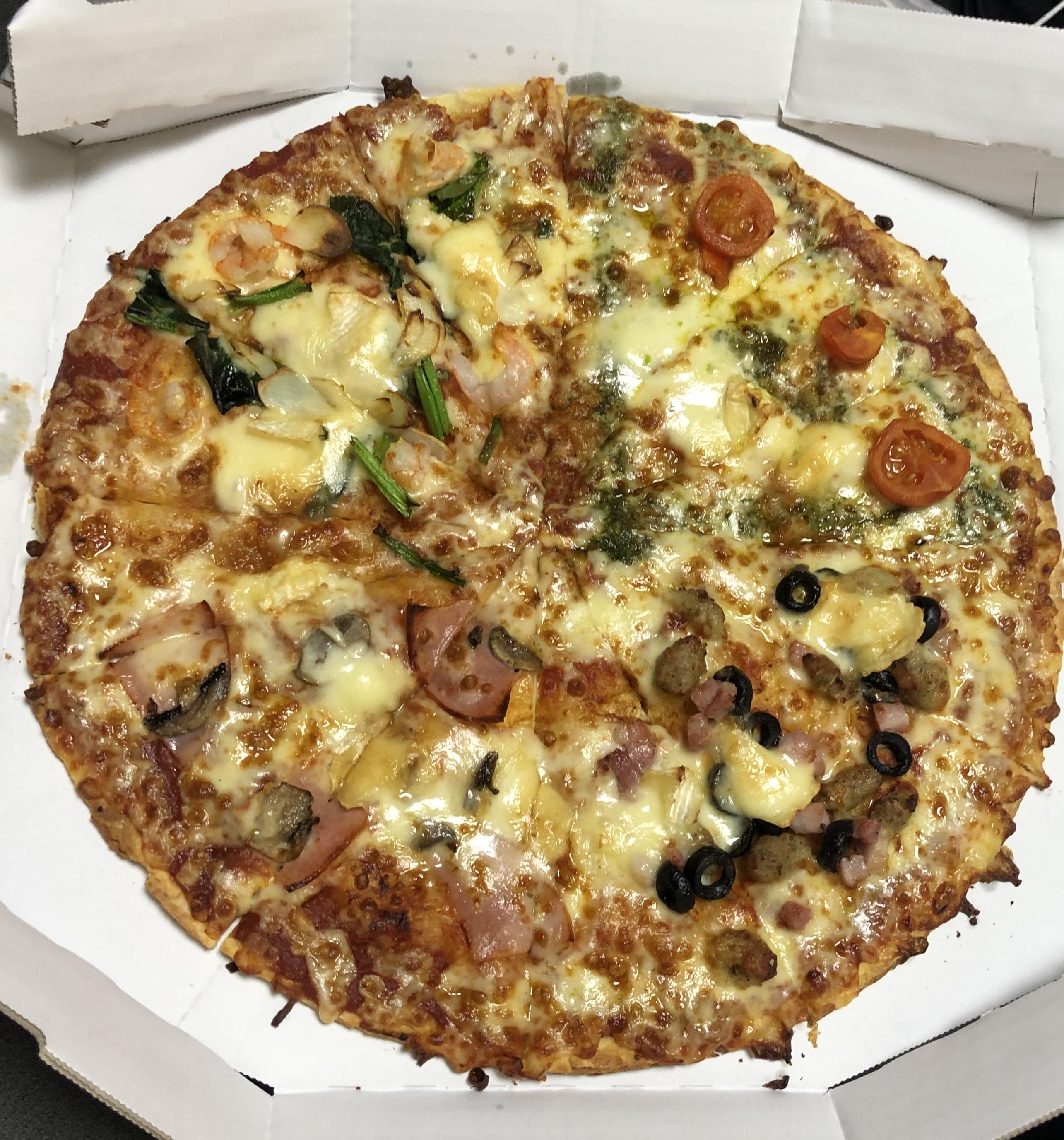 直径33センチ巨大ピザ!