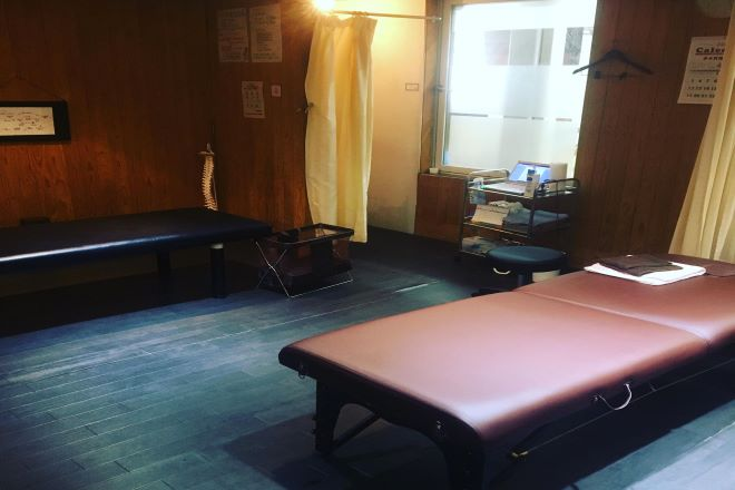 骨盤王国 小倉整体院 施術ベッド