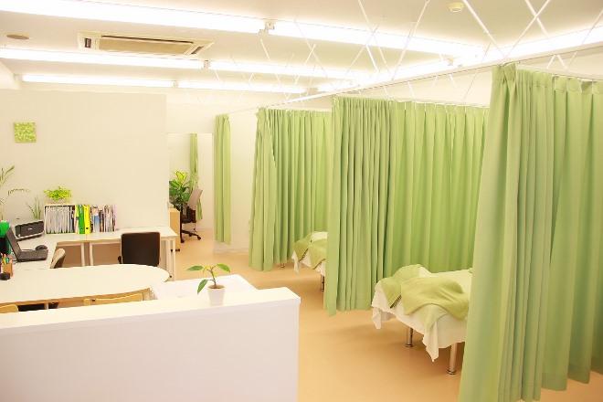 富士市マッサージ|PLUS body若葉治療院(プラスボディーワカバチリョウイン)のサロン画像2