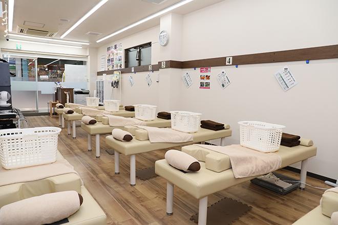京成立石駅前接骨院 明るい空間で、お客様の笑顔を引き出します♪