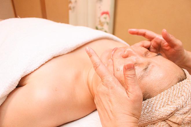 アロマレディ 熟練の手技による施術
