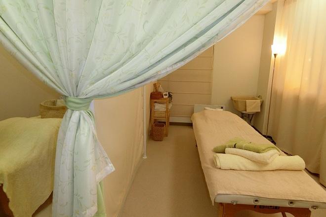 よしまりのカイロケア 清潔感のある黄緑を基調とした暖かみのある空間♡
