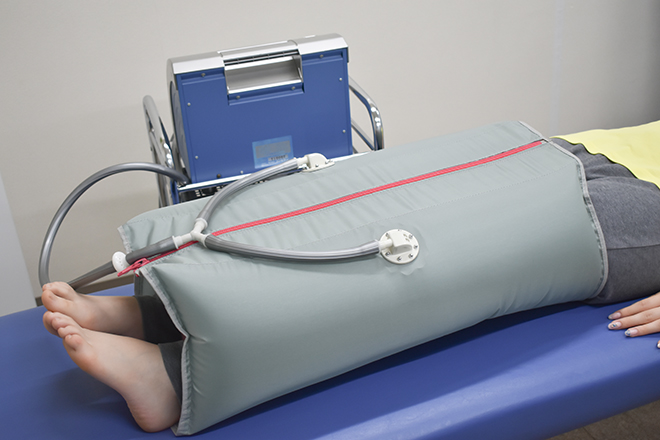 カイロプラクティックセンター 小池整体院 空気の圧で深部の筋肉にアプローチ