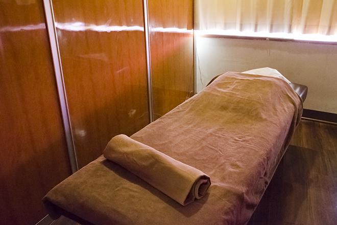 鎌倉ラポールリラックス館 新百合ヶ丘店 開放的な、明るい雰囲気の施術スペース☆