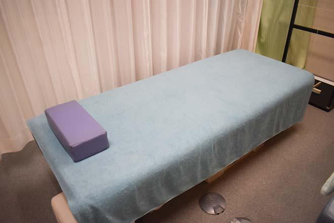 ジャパンカイロプラクティック青葉 安定感のあるベッドを使用しています
