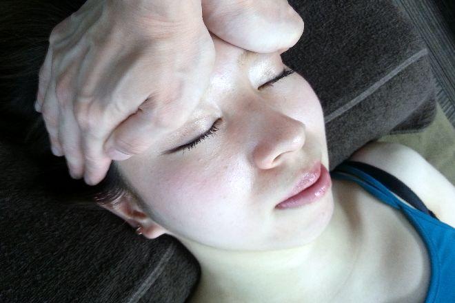 楽体整体院スーパー3D小顔矯正 梅田茶屋町店 お顔を立体的に引き締めます。