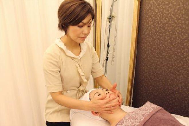 jp.yukino 入念な手技をリラックスしながら受けられます。