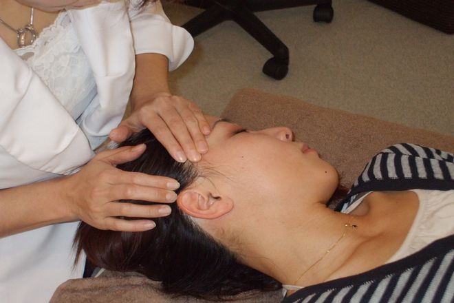 小顔骨格矯正アゴラ 博多本店 様々な施術を組み合わせております
