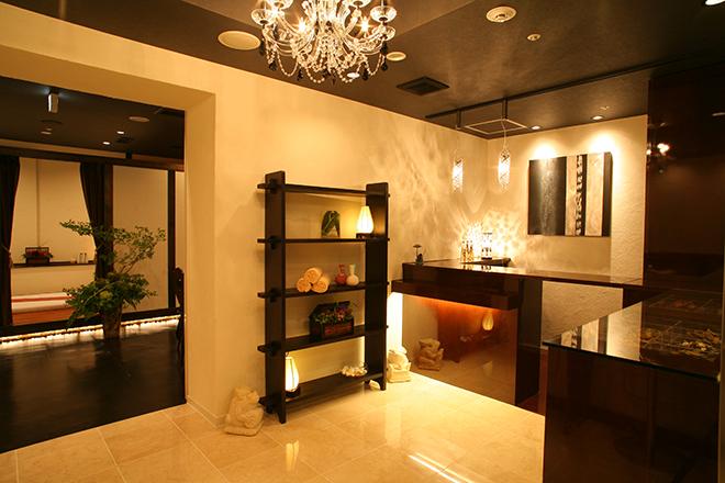 バンクンメイ三ノ宮店 タイリゾートと、清潔感を兼ね備えた空間