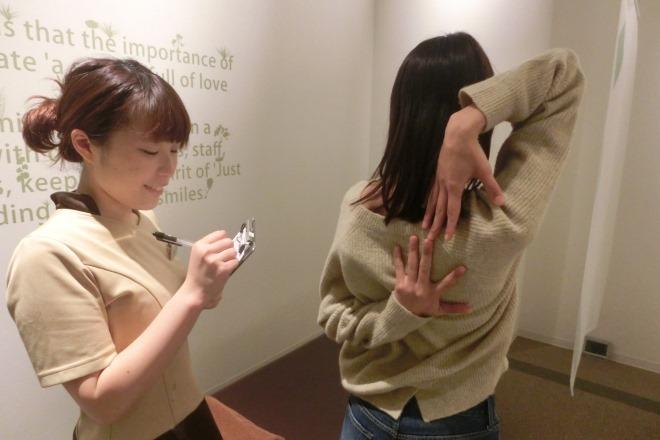 リラク ユニモちはら台店(Re.Ra.Ku) お身体の柔軟性チェックをしていきます。