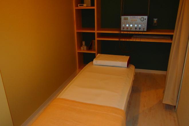佑鍼灸院 施術ベッドになります。