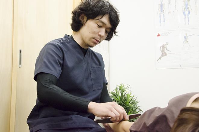 さとう鍼灸整骨院 ヒアリングは、体の調整もしながら行います
