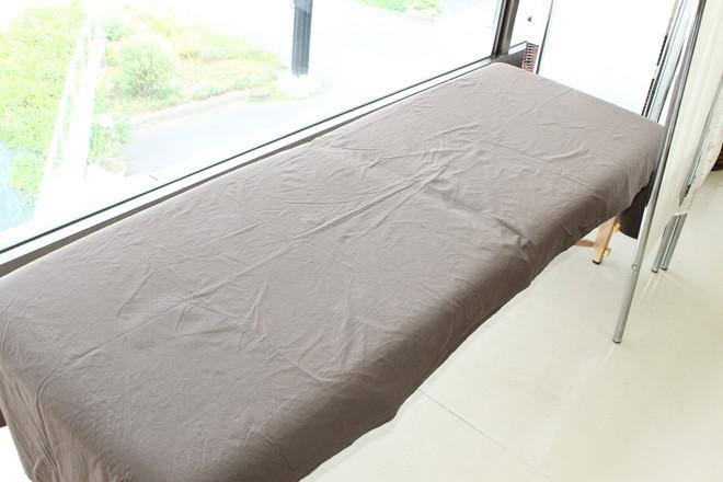 イネイト整体サロン日立 ベッドは4台ございます。