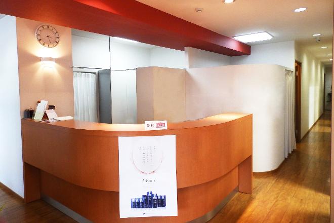 フリアージュ新大宮店 明るく清潔な雰囲気のエステサロンです。