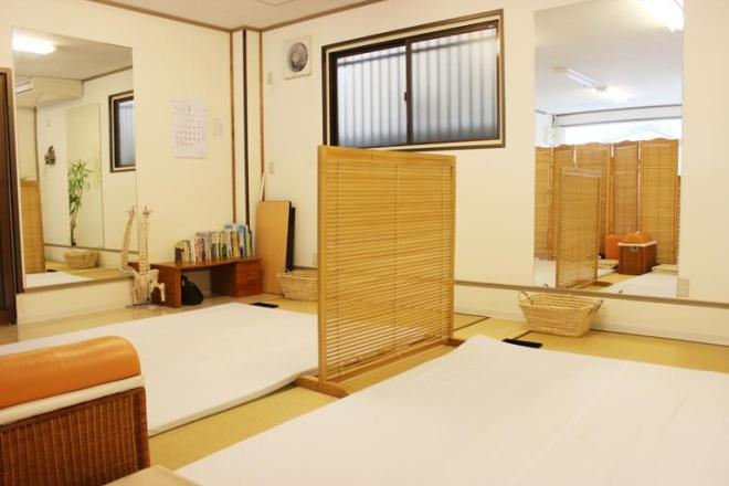 テアシス 河内長野本町(TEASHIS) 皆様の施術をするスペースは広々としています。