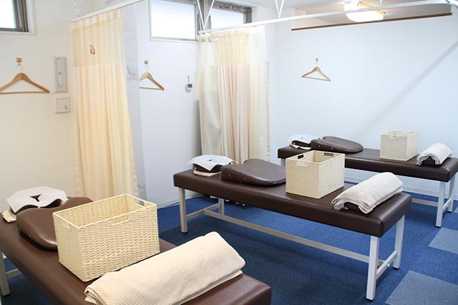 にじいろ鍼灸整骨院 長津田院 人目を気にせずリラックスできる空間で施術