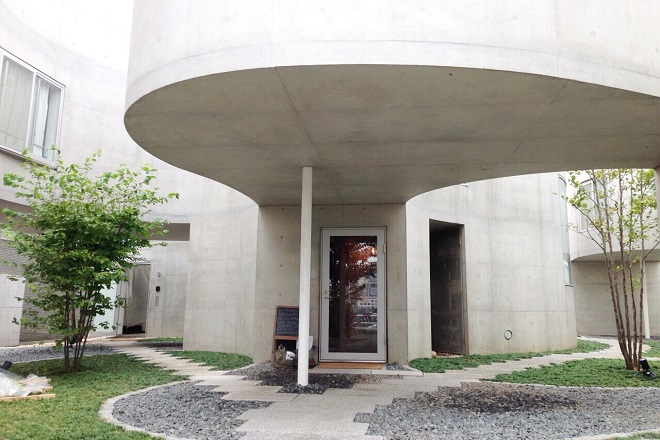 アンリノ(エステルーム unLino) 有名な建築家のオシャレな建物です。