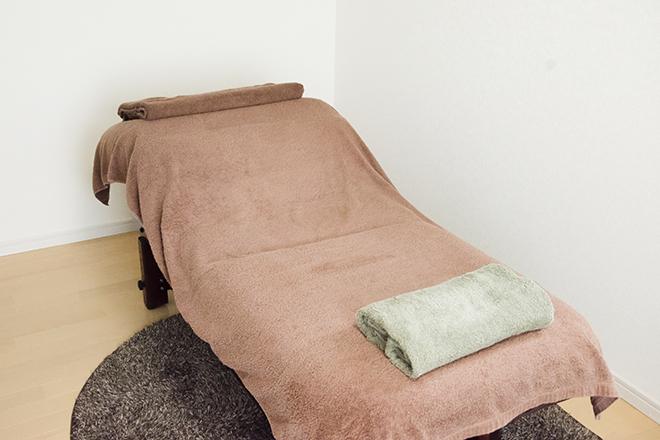 小顔令嬢ファクトリー(Factory) 衛生面もバッチリの施術ベッド