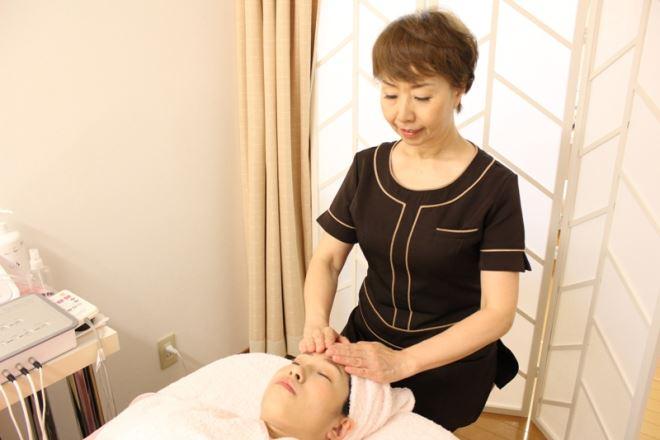 小顔矯正とヘッドマッサージで効果倍増!|ビューティスタジオK(ケイ)