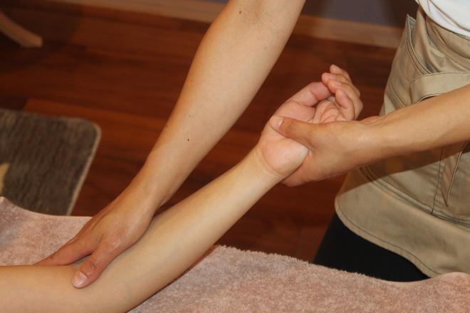 アロマテラピーサロン cocoti 腕はもちろん、指先までしっかりとケアします!