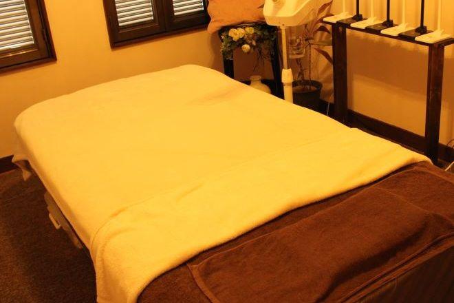 ハールルル キレイに整えられたベッド。