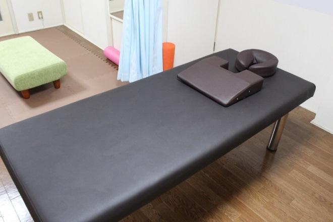 コシノセイタイ(腰痛整体) ベッド
