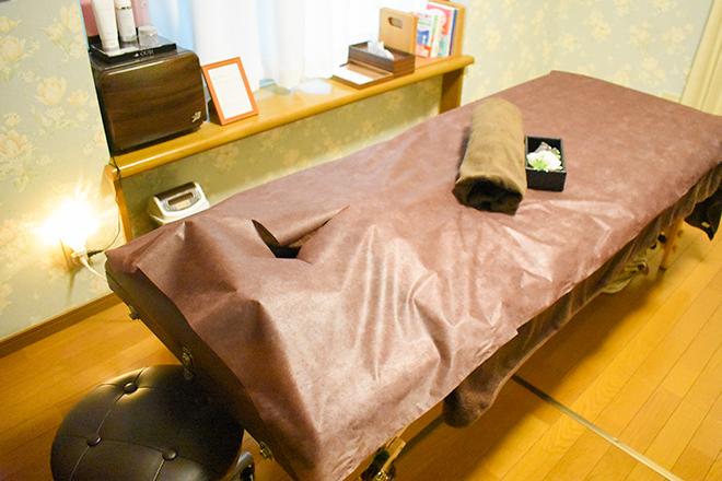 エスポワール(espoir) ヒートマット完備の施術ベッド