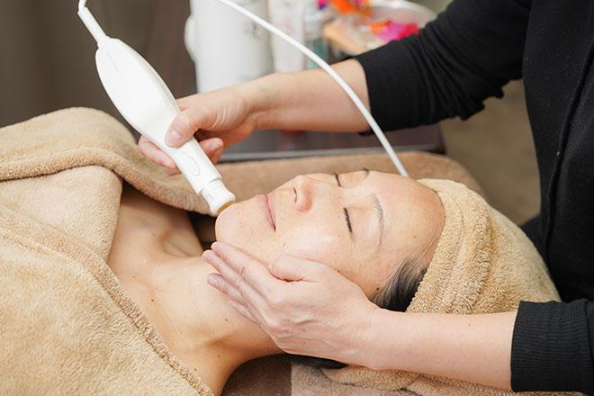 肌トラブルを本気で改善したい方必見の施術