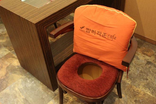 カメリー座薫 なんば店 こちらが座薫椅子です。是時ご堪能ください♪