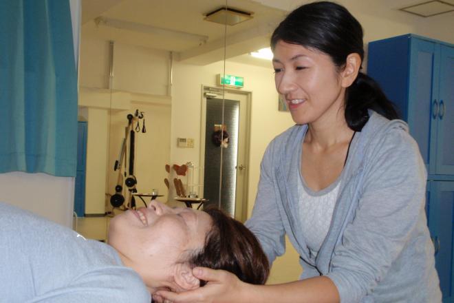 Arc the body 首、頭の筋膜をほぐしていきます。